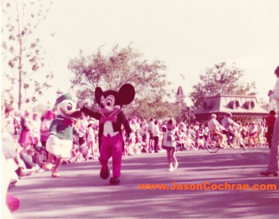 Donald Duck and Mickey Mouse in their mid-1970s costumes